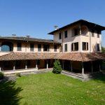 Villa di Lusso Lago Como Mandello del Lario Villa con Dependance e Parco vista lago