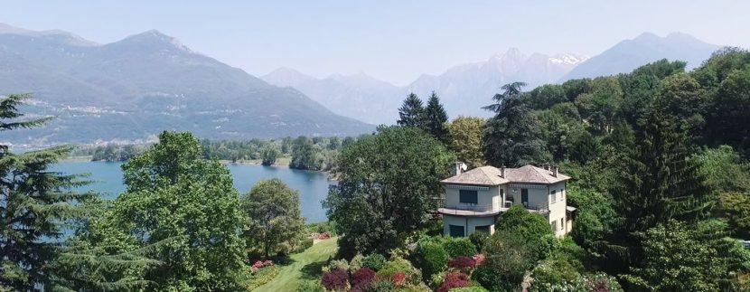 Villa di Lusso Lago Como Colico Fronte Lago con Darsenae Parco
